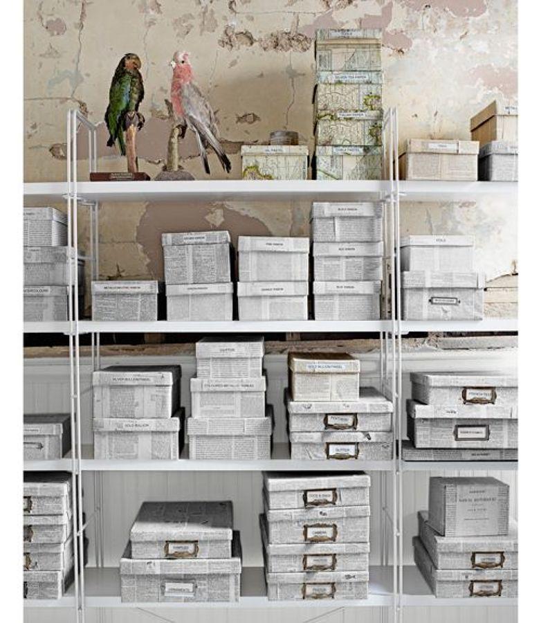 Cajas Con Papel Periódico