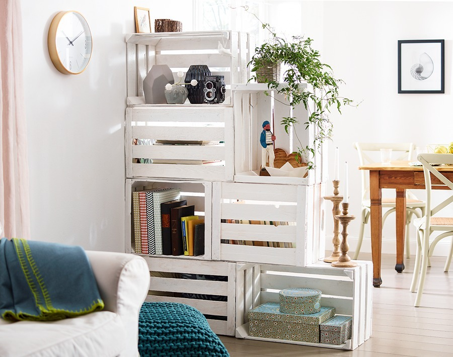 cajas de madera pintadas de blanco