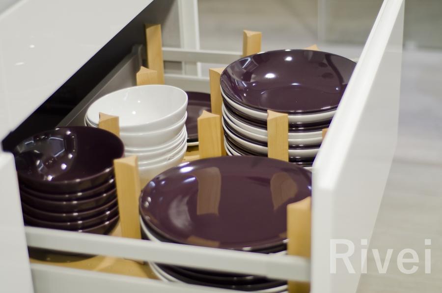 Cajón cacerolero con organizador de platos