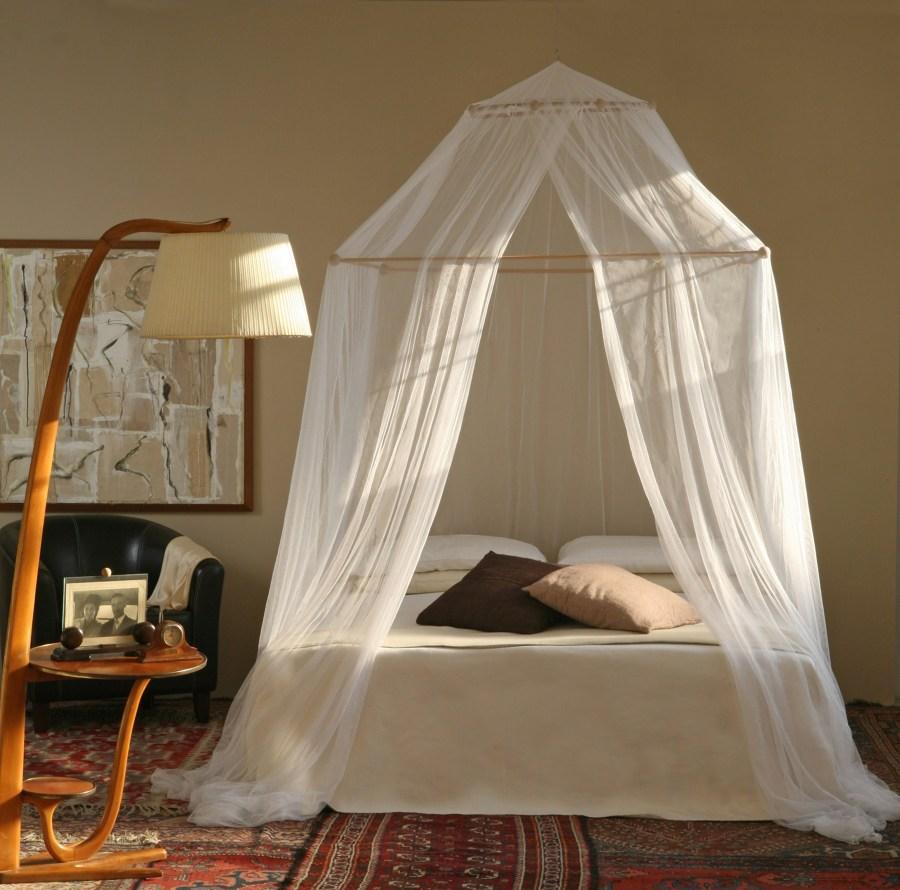Foto cama con dosel castillo de elenatorrente d az - Cama con dosel ...