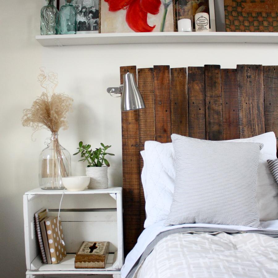 Camas hechas con palets y felices sue os ideas decoradores - Cabeceros de cama con palets ...