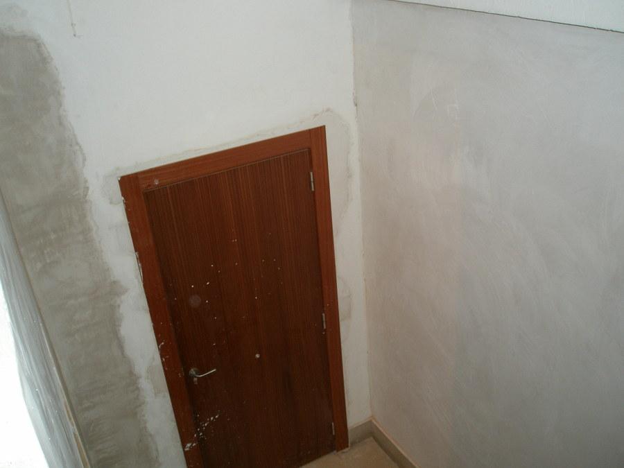 cambiado de la puerta comunitaria escalera de la terraza comunitaria