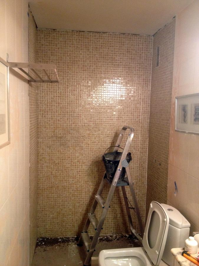 Cambio ba era por plato de ducha laura y gabriel ideas reformas ba os - Convertir banera en ducha ...