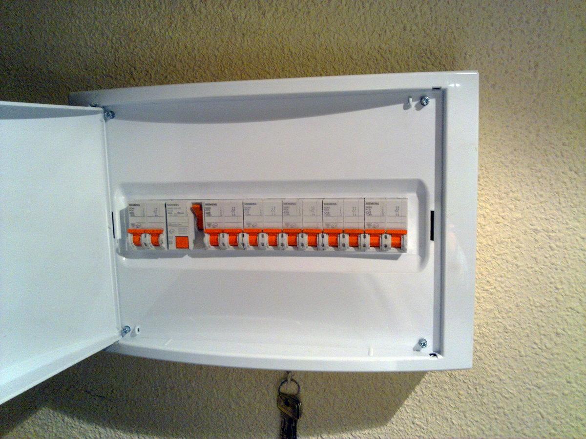 Cambio de cableado y cuadro el ctrico ideas electricistas for Cuadro electrico de una vivienda