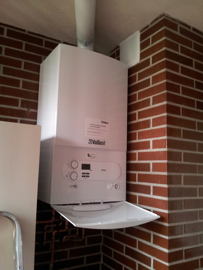 Foto cambio de caldera a gas natural de bajo nox en - Radiadores para gas natural ...