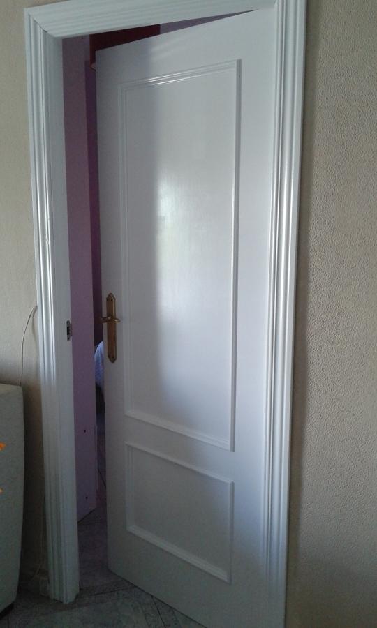 Pintar puertas de madera en blanco lacado ideas - Lacar puerta en blanco ...