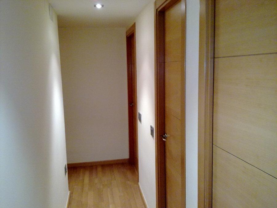 cambio de puertas, tarima y pintura.