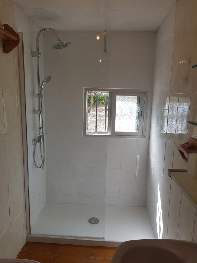 Cambio del plato de ducha, ampara, ducha y azulejo5