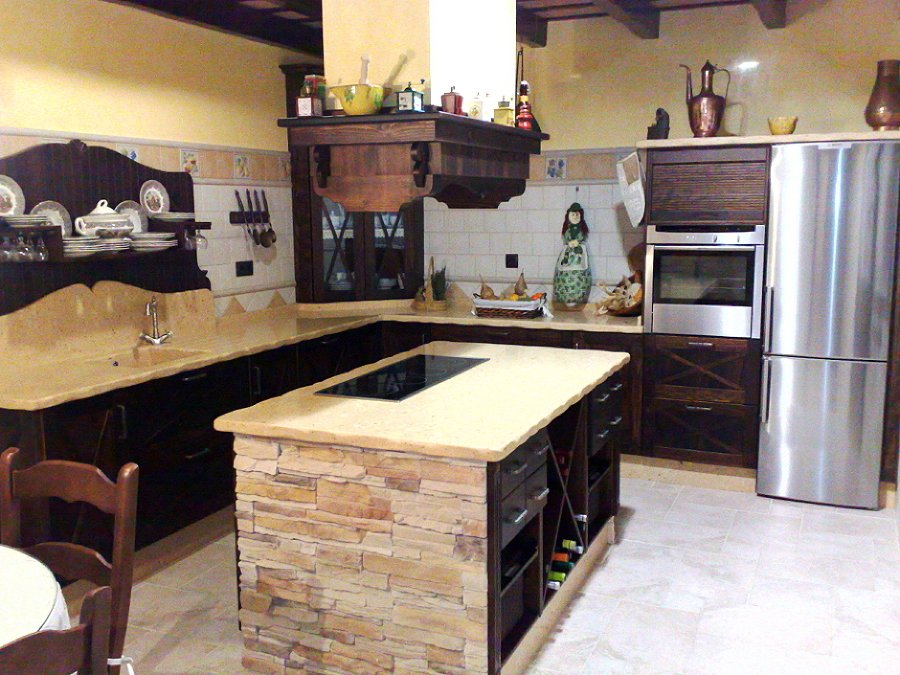 Calidez y dise o en cocinas r sticas ideas art culos - Cocinas rusticas de obra fotos ...