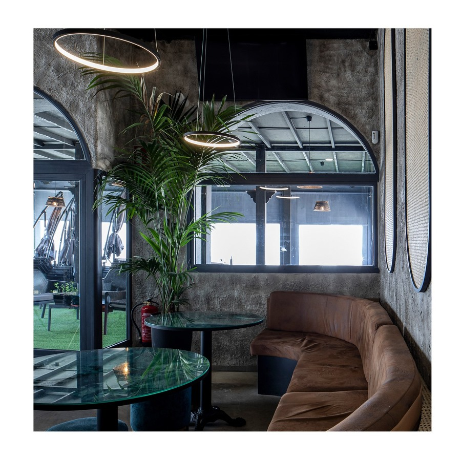 Carbōn Lounge Club