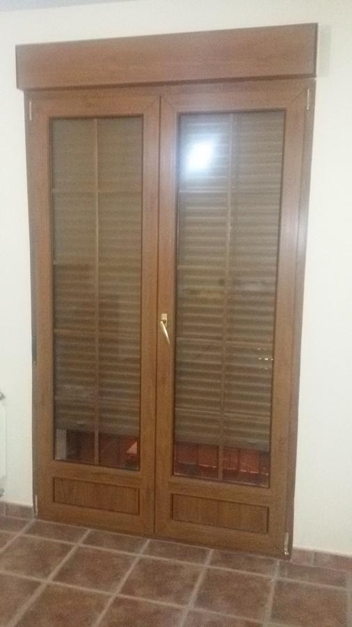 Foto carpinteria exterior pvc madera de refonstrucciones - Carpinteria exterior ...