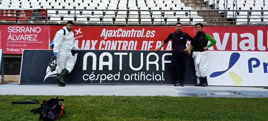 CARTEL PUBLICIDAD AJAX CONTROL EN EL CAMPO