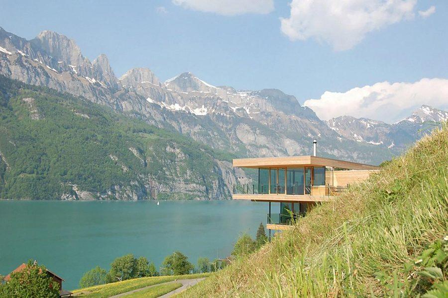 casa de madera con vistas