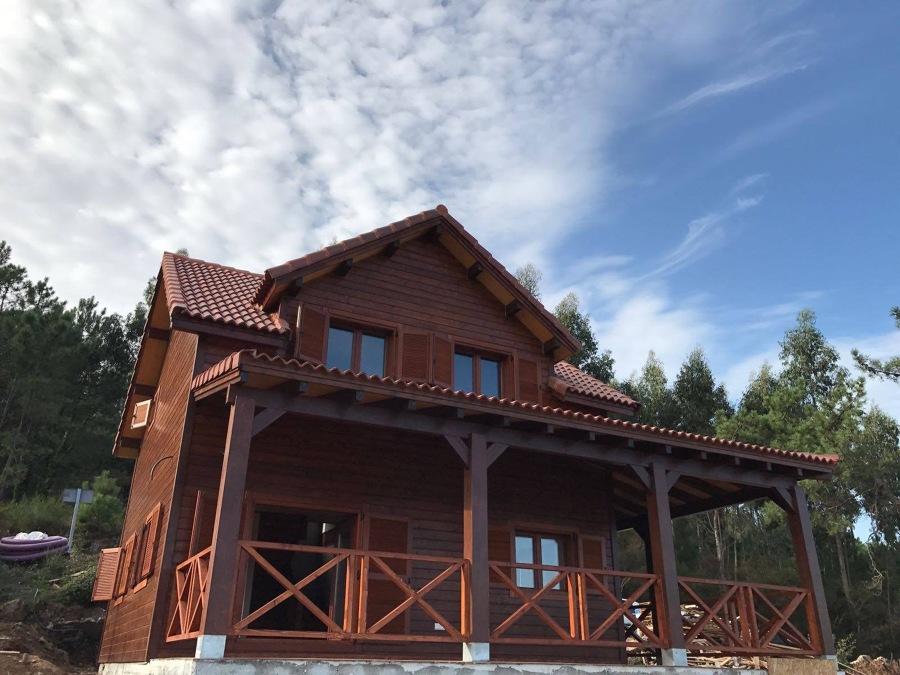 Montaje casas de madera y porches ideas reformas viviendas - Montaje casa de madera ...