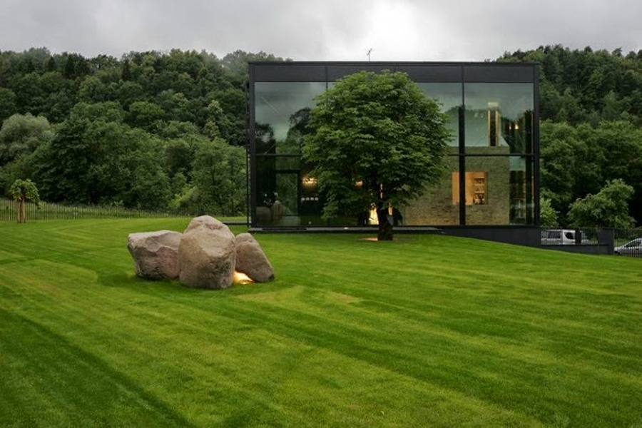 Casas de cristal que se funden con el entorno ideas for Casas viejas remodeladas