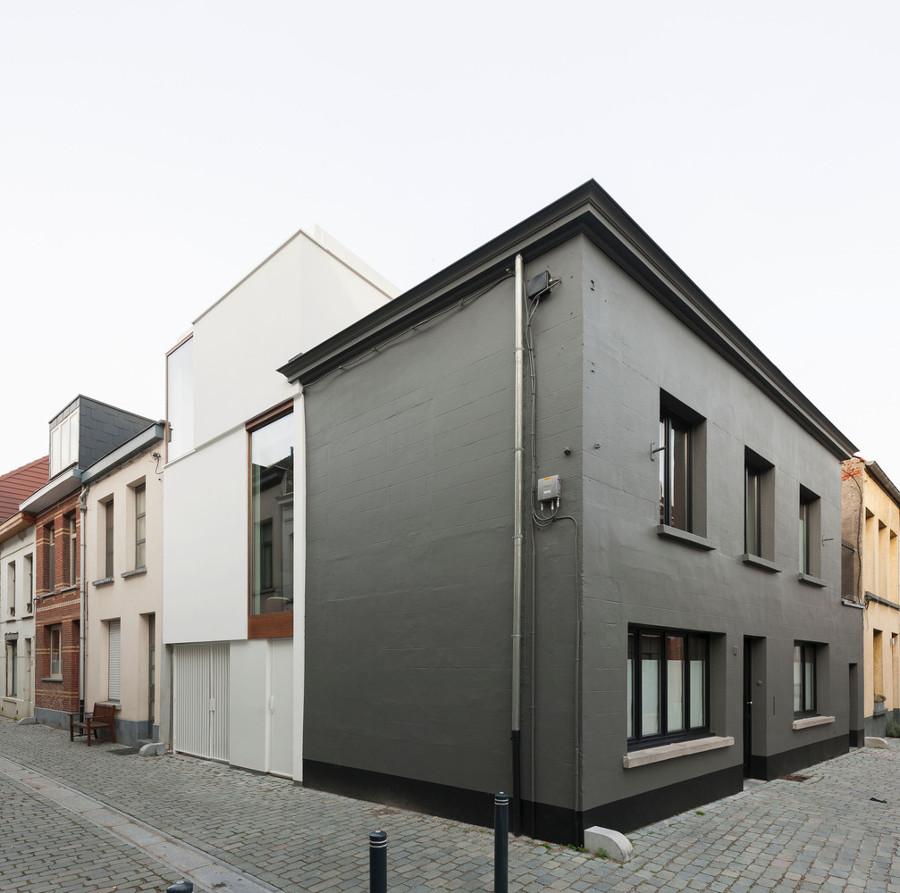Casa LKS