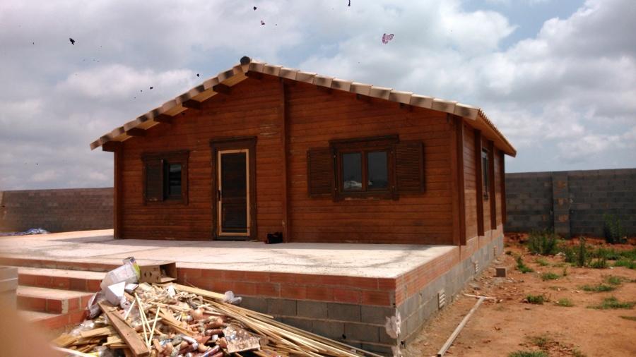 Casa de madera montaje completo castell n ideas - Montaje casa de madera ...
