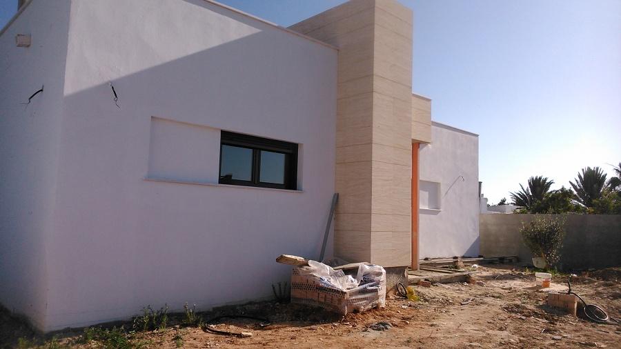 Foto casa moderna de construcciones y reformas andcar for Casa moderna alicante