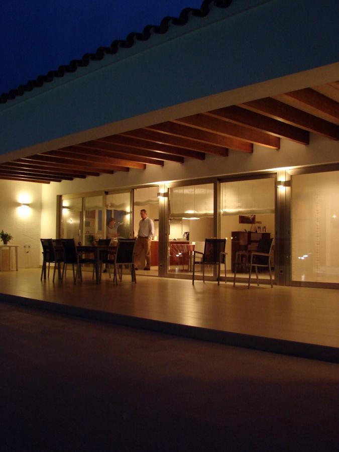 Casa pons maria ideas construcci n casas for Lamparas porche exterior