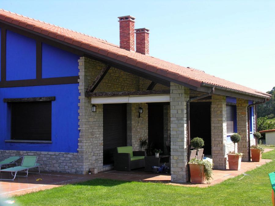 Foto casa ranon zona porche de construcciones benjoal for Imagenes de porches de casas