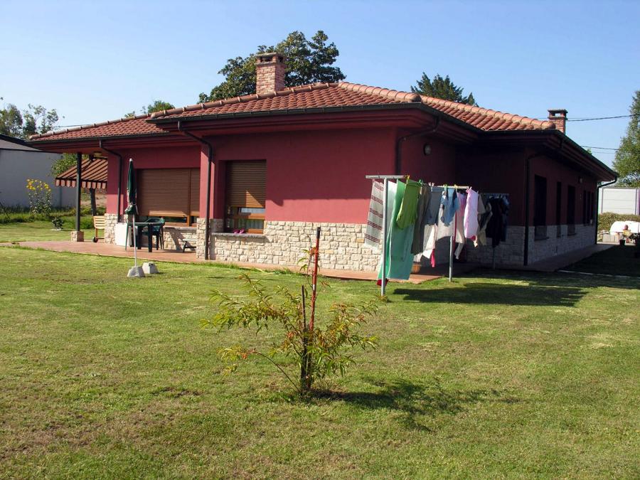 Casa roja Siero