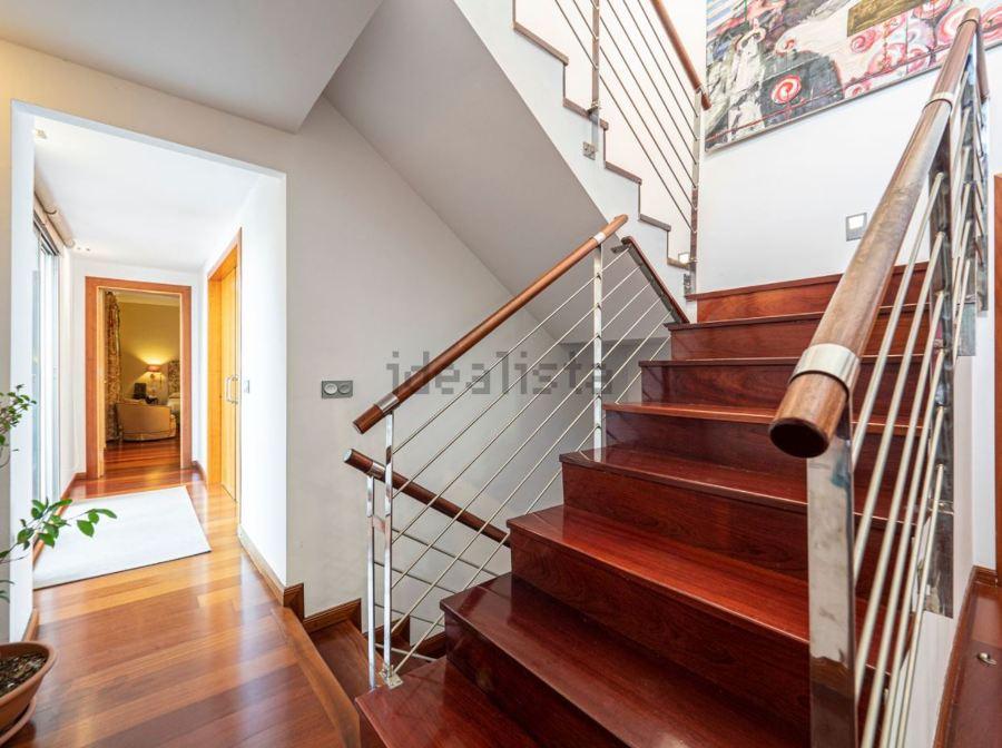 Casa Wilson distribuidor escaleras