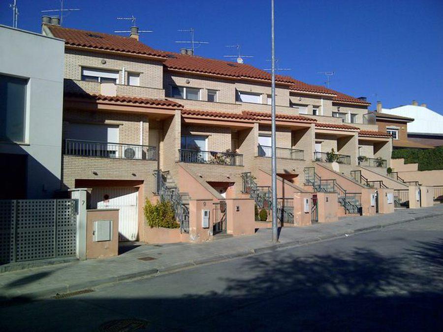 Foto casas unifamiliares en t rrega lleida de himitres for Casa minimalista tarragona