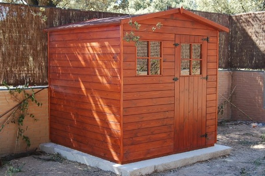 Caseta de madera de 2.20x2.20 m. - Boadilla del Monte (Madrid)