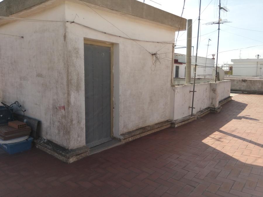 Caseta entrada a terraza.
