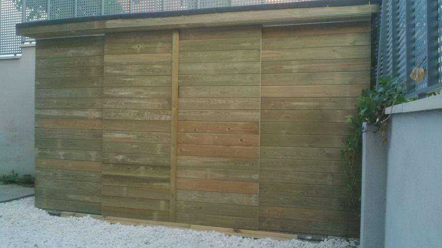 Terraza en madera de p no tratado y caseta de jardin en for Autoclave tratado jardin cobertizo