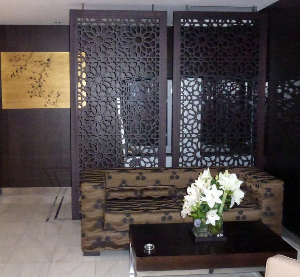 Foto celos a separador de ambiente hotel meli barcelona - Fotos de separadores de ambientes ...