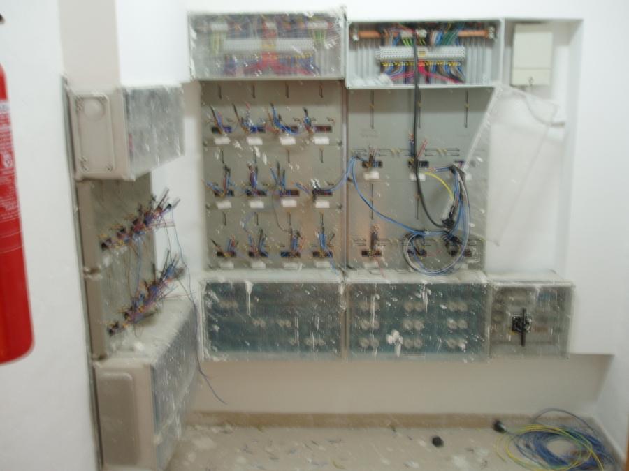 Foto centralizaci n de contadores de instalaciones - Electricistas en bilbao ...