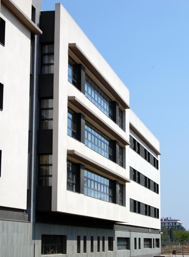Centre m dic a molins de rei barcelona ideas arquitectos - Casa en molins de rei ...