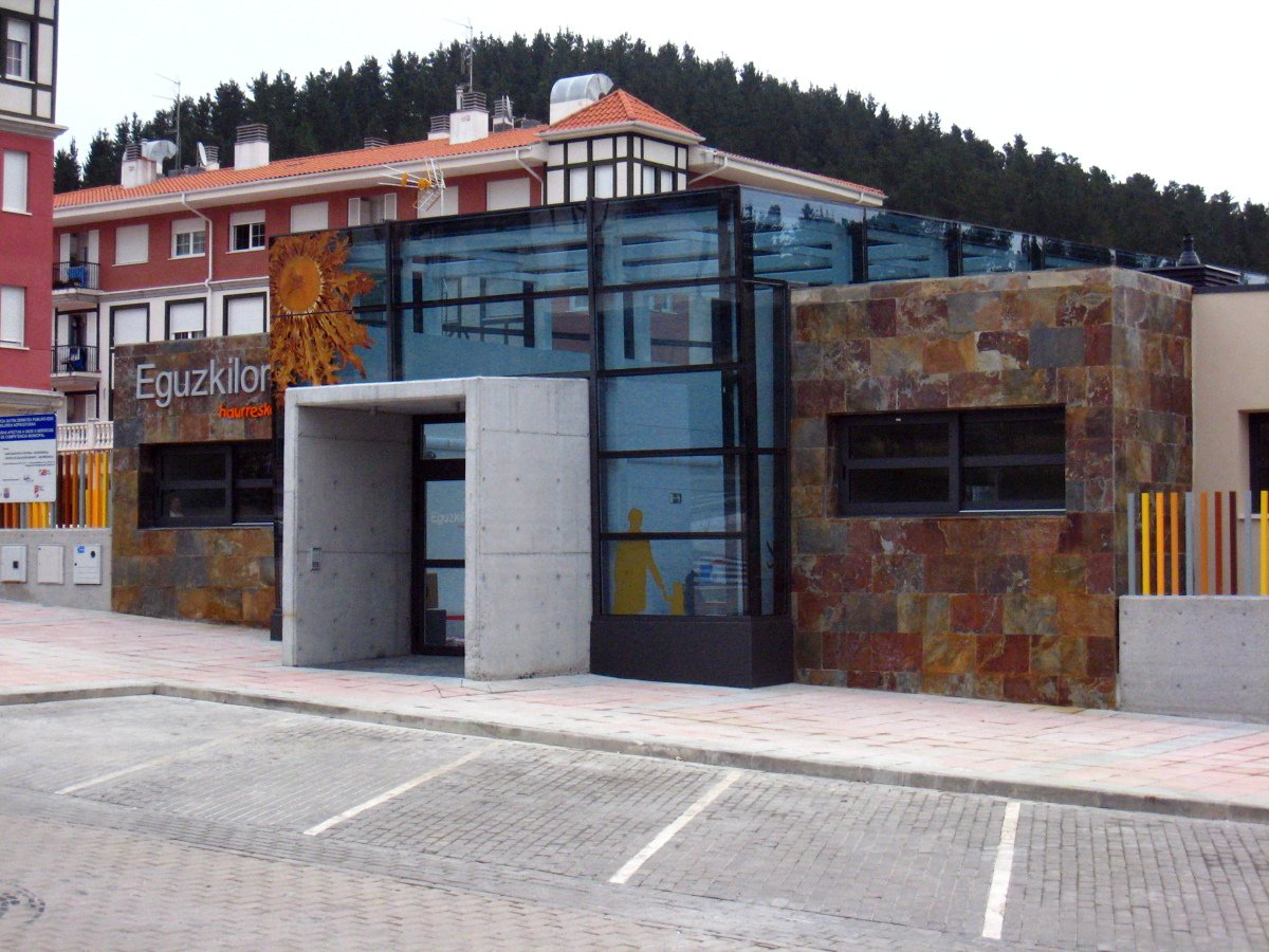 CENTRO DE EDUCACIÓN INFANTIL - HAURRESKOLA