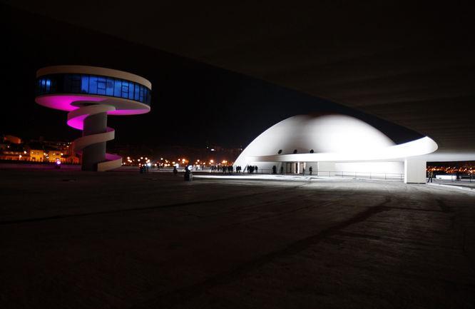 Centro Niemeyer 1