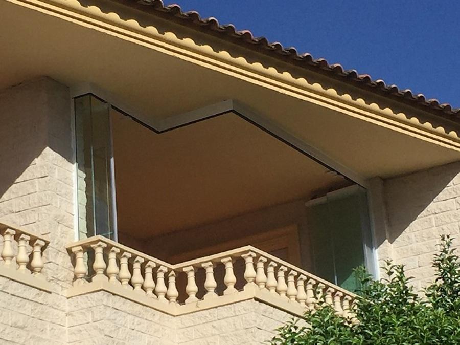 Precioso balc n de madrid ideas cristaleros - Cerramiento de balcon ...