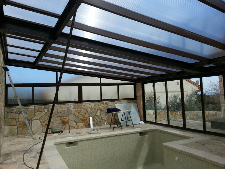 Foto cerramiento con aluminio para piscina de cerranavas - Cerramientos para piscinas ...