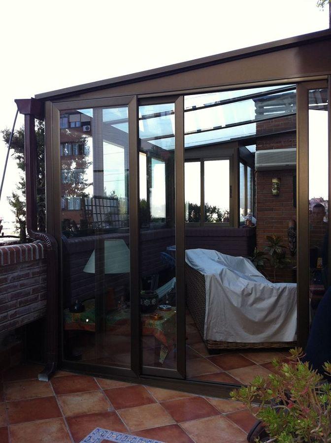 Foto cerramiento de aluminio y vidrio con techo de vidrio for Cerramiento vidrio