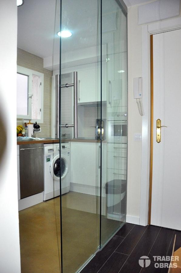 Foto cerramiento de vidrio templado por traber obras de for Cerramiento vidrio