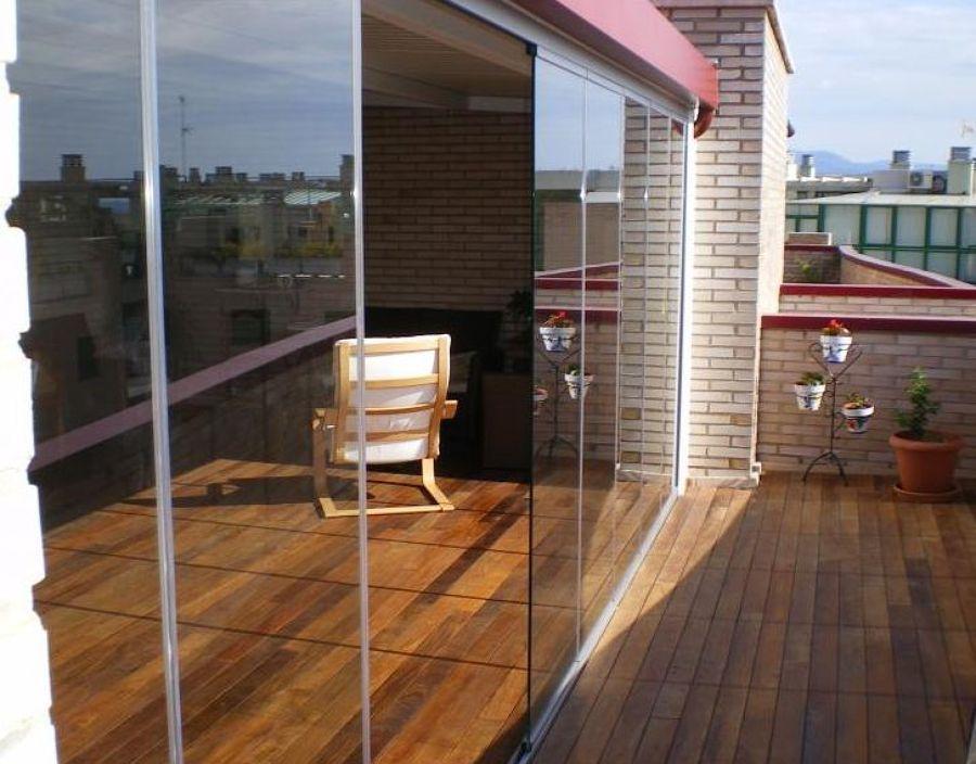 Cerramientos interiores para ganar luminosidad ideas for Cerramientos de vidrio para interiores