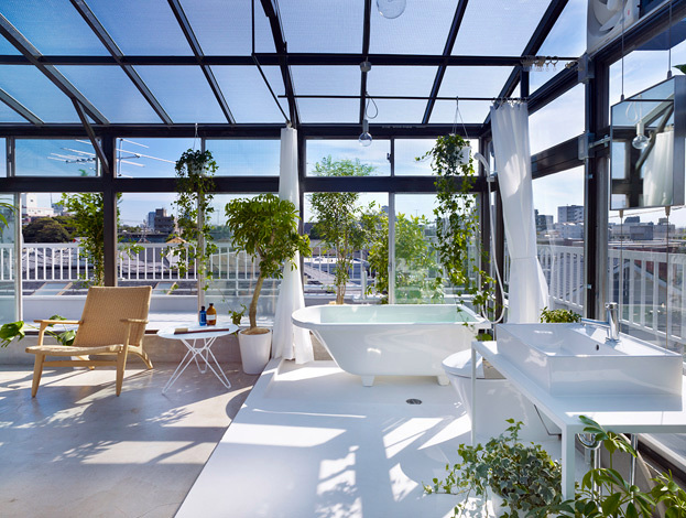 Cerramiento para zona de relax en terraza.
