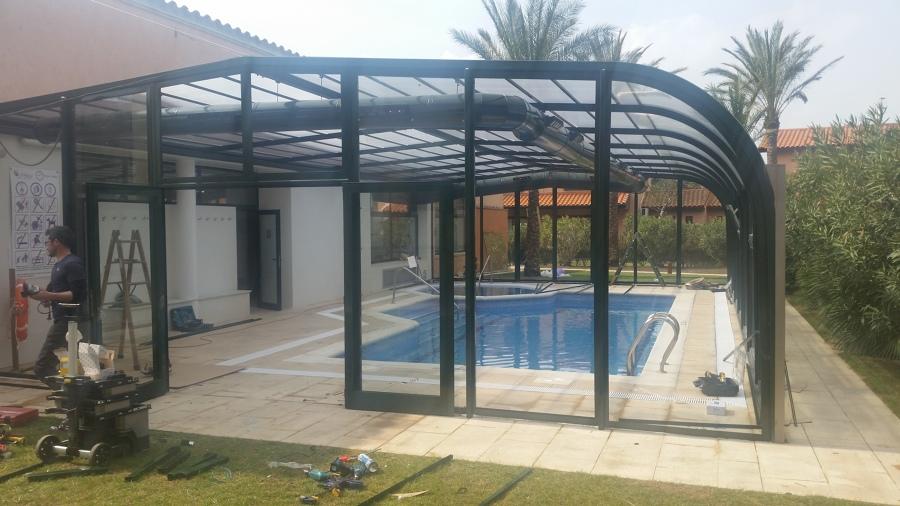 Cerramiento piscina climatizada vista lateral