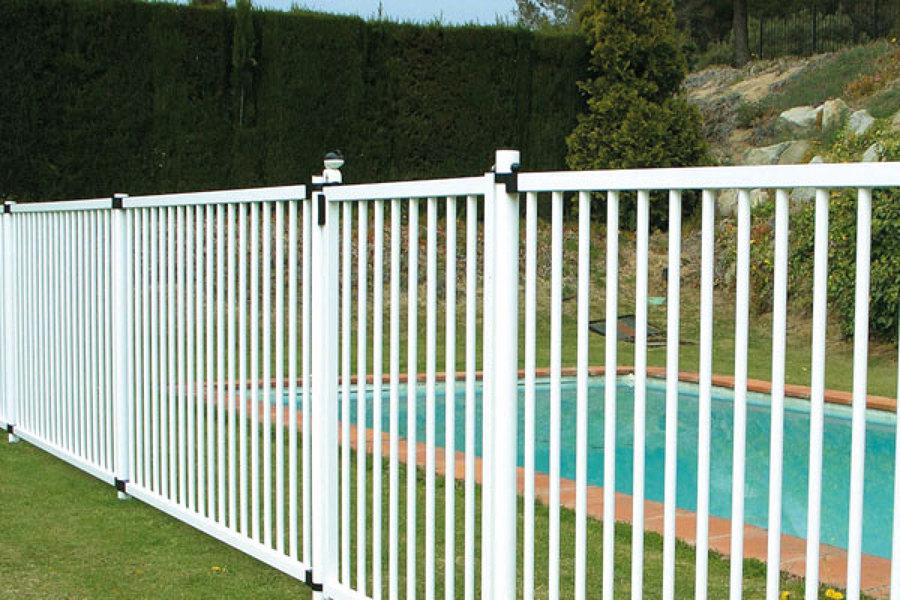 Trabajos de cerramientos met licos ideas construcci n for Proteccion de piscinas