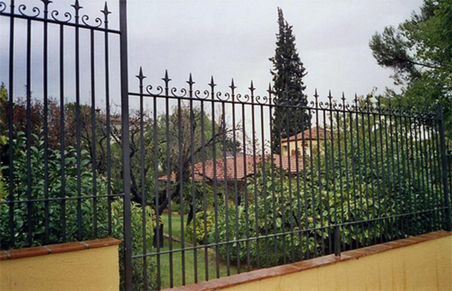 Foto cerramiento valla forja de cerramientos met licos - Vallas de forja ...