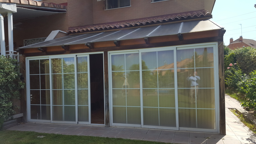 cerramiento vertical porche carpinteria corredera aluminio