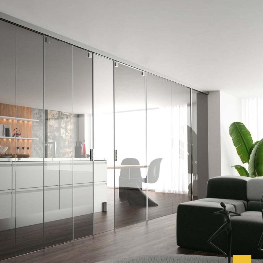 Foto cerramiento vidrio con puertas correderas de - Cristales para puertas de cocina ...