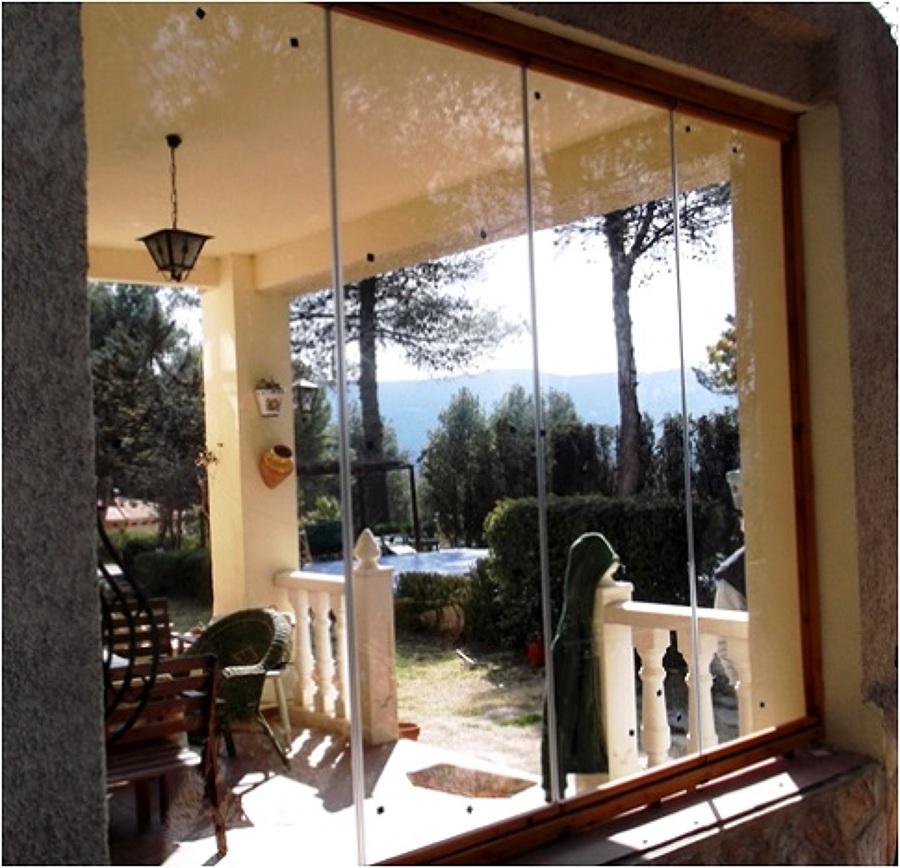 Foto cerramiento vidrio plegable de cristaleria yago - Cerramientos plegables de vidrio ...
