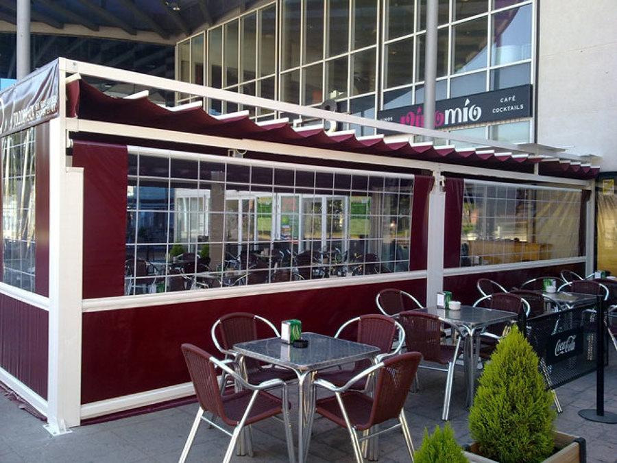 Foto cerramientos para hosteleria toldo paliller a y for Casetas aluminio para terrazas