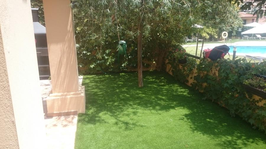 Foto c sped artificial de arbusto 910446 habitissimo - Cesped artificial girona ...