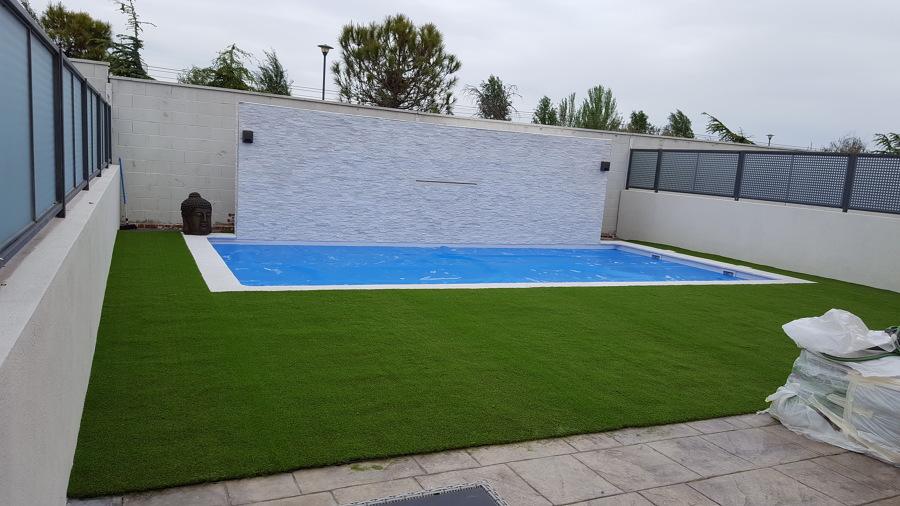 Como pegar cesped artificial sobre cemento beautiful cool - Poner cesped artificial sobre tierra ...